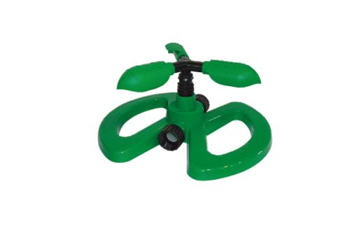 3-Arm Plastic Sprinkler With Plastic Base W-4102